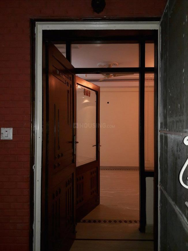 Main Entrance Image of 2250 Sq.ft 3 BHK Apartment for rent in Sector 39 for 35000