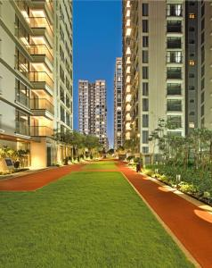 Gallery Cover Image of 1800 Sq.ft 3 BHK Apartment for buy in Bandra East for 67000000