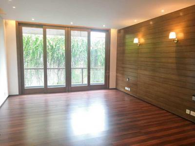 Gallery Cover Image of 2000 Sq.ft 3 BHK Apartment for buy in Connaught Place for 95000008
