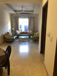 Gallery Cover Image of 3800 Sq.ft 4 BHK Apartment for buy in Emaar The Vilas, Sikanderpur Ghosi for 37500000