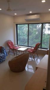 Gallery Cover Image of 500 Sq.ft 1 BHK Apartment for rent in Bandra West for 75000