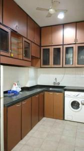 Gallery Cover Image of 1300 Sq.ft 3 BHK Apartment for rent in Marine Lines for 190000