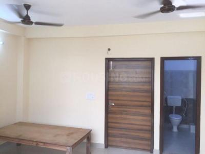 Gallery Cover Image of 500 Sq.ft 1 RK Independent Floor for rent in Mayur Vihar Phase 1 for 4000