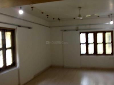 Gallery Cover Image of 2000 Sq.ft 3 BHK Apartment for rent in Kaikhali for 25000