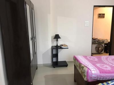 Gallery Cover Image of 1140 Sq.ft 2 BHK Apartment for rent in Mantri Serene, Goregaon East for 32000