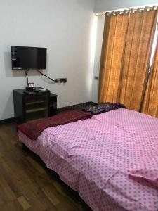 Gallery Cover Image of 1680 Sq.ft 3 BHK Apartment for buy in Malad East for 28500000