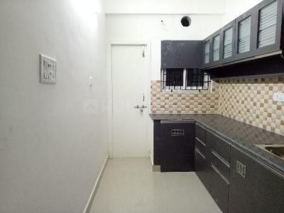 Gallery Cover Image of 1600 Sq.ft 3 BHK Apartment for rent in Kovilambakkam for 22000
