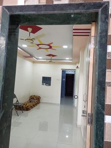 Gallery Cover Image of 700 Sq.ft 1 BHK Independent Floor for rent in Goregaon West for 23000