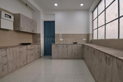ओयों लाइफ जीआरजी1266 सेक्टर 47 इन सेक्टर 47 के किचन की तस्वीर