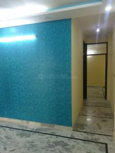 Gallery Cover Image of 650 Sq.ft 1 BHK Independent Floor for rent in Govindpuri for 7800