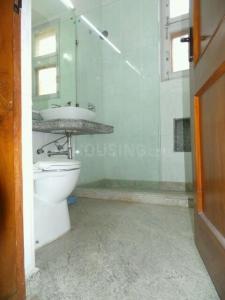 Bathroom Image of PG 4035735 Pul Prahlad Pur in Pul Prahlad Pur
