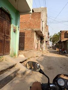 450 Sq.ft Residential Plot for Sale in Sangam Vihar, New Delhi