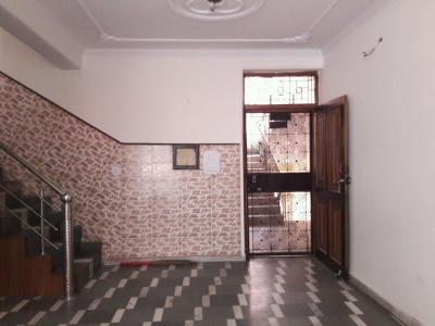 Gallery Cover Image of 1600 Sq.ft 3.5 BHK Apartment for rent in Sector 13 Rohini for 27000
