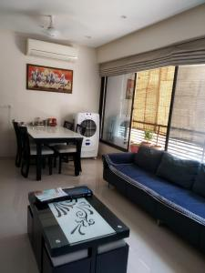 Gallery Cover Image of 1170 Sq.ft 2 BHK Apartment for buy in Aaryan Gloria, Bopal for 5900000