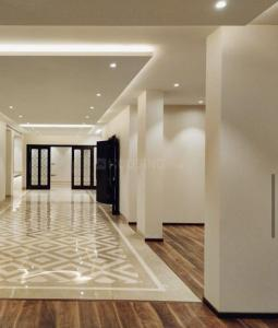 Gallery Cover Image of 2000 Sq.ft 4 BHK Apartment for buy in Safdarjung Enclave for 27500000