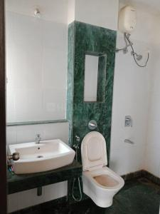 Gallery Cover Image of 1170 Sq.ft 3 BHK Apartment for rent in Thane West for 20500