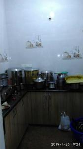 Gallery Cover Image of 1200 Sq.ft 2 BHK Independent Floor for rent in University Campus for 13000