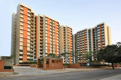 Gallery Cover Image of 1295 Sq.ft 2 BHK Apartment for rent in Shela for 17000