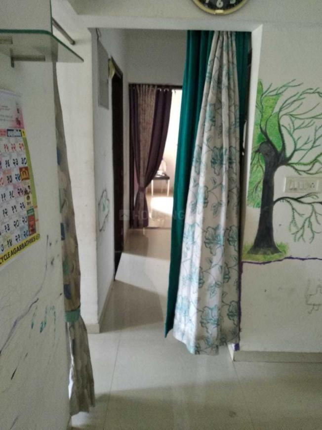 Living Room Image of 1050 Sq.ft 2 BHK Apartment for buy in Kasarvadavali, Thane West for 10200000