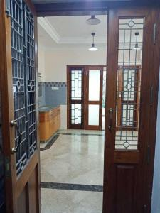 Gallery Cover Image of 2170 Sq.ft 3 BHK Apartment for rent in Kotturpuram for 85000