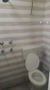 Common Bathroom Image of 750 Sq.ft 2 BHK Independent Floor for rent in Hari Nagar for 14000