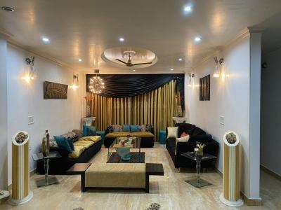 Gallery Cover Image of 1800 Sq.ft 3 BHK Independent Floor for buy in Patel Nagar for 27500000