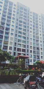 Gallery Cover Image of 1050 Sq.ft 2 BHK Apartment for rent in Mira Road East for 21000