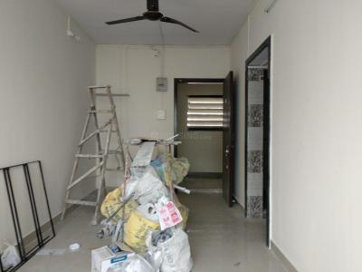 Gallery Cover Image of 450 Sq.ft 1 BHK Apartment for rent in Piramal Mahalaxmi, Worli for 28000