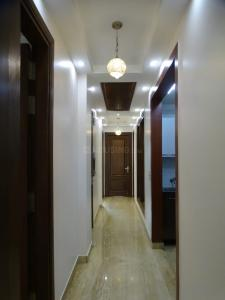 Gallery Cover Image of 1100 Sq.ft 2 BHK Independent Floor for rent in Chittaranjan Park for 30000