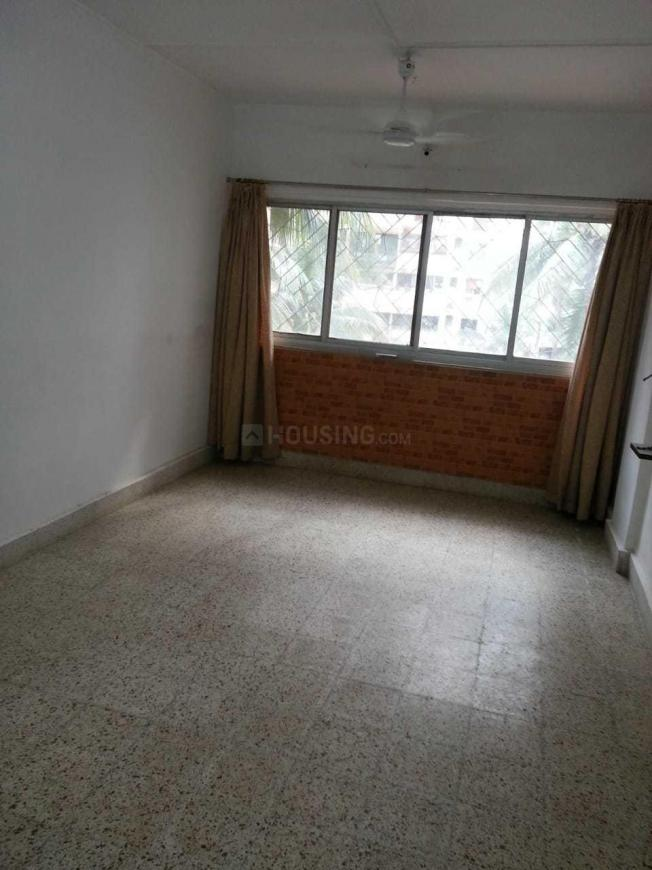Living Room Image of 650 Sq.ft 1 BHK Apartment for rent in Kandivali West for 22000
