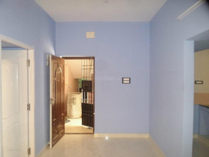 Living Room Image of 750 Sq.ft 1 BHK Apartment for rent in Tharamani for 10000