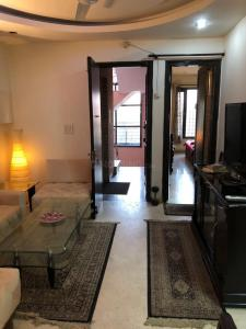 Gallery Cover Image of 1800 Sq.ft 3 BHK Apartment for rent in Rajouri Garden for 45000