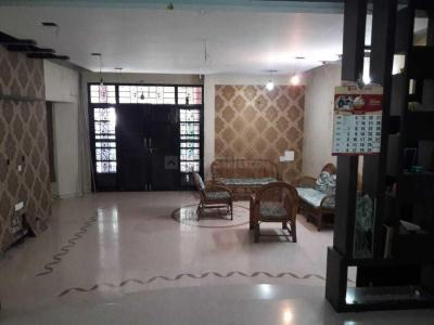 Gallery Cover Image of 500 Sq.ft 1 BHK Apartment for rent in Shivaji Nagar for 16000
