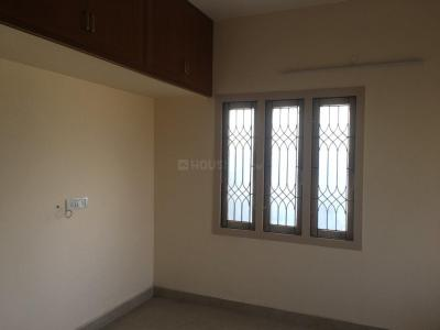 Gallery Cover Image of 1050 Sq.ft 2 BHK Apartment for rent in Virugambakkam for 16000