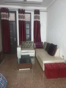 Gallery Cover Image of 1250 Sq.ft 2 BHK Independent Floor for rent in Shakti Khand II, Shakti Khand for 16500