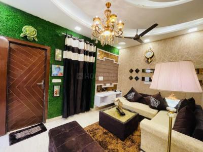 Gallery Cover Image of 810 Sq.ft 3 BHK Independent Floor for buy in Dwarka Mor for 4400000