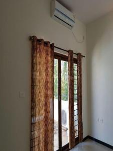Gallery Cover Image of 3660 Sq.ft 3 BHK Independent House for rent in Anwar Layout for 43000