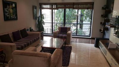 Gallery Cover Image of 2640 Sq.ft 4 BHK Apartment for rent in Juhu for 250000