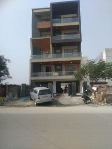Gallery Cover Image of 2250 Sq.ft 3 BHK Independent Floor for buy in Sector 28 for 12500000