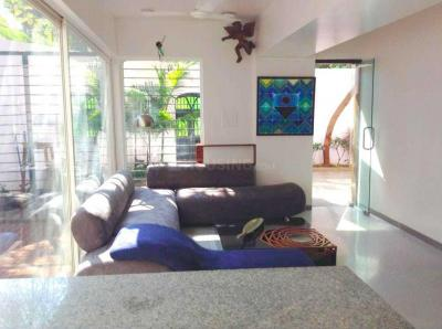Gallery Cover Image of 2800 Sq.ft 3 BHK Villa for rent in Bandra West for 275000