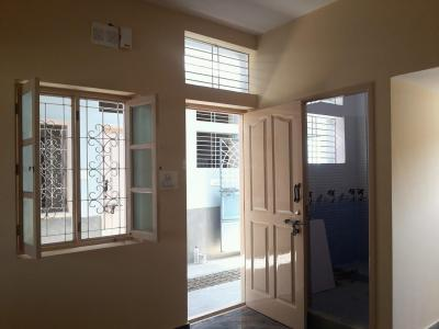 Gallery Cover Image of 550 Sq.ft 1 BHK Apartment for rent in Bhyraveshwara Nagar for 7000