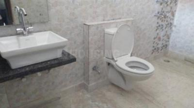 Bathroom Image of Mannat PG Home in Sector 27