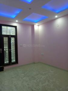 Gallery Cover Image of 560 Sq.ft 2 BHK Independent Floor for buy in Dwarka Mor for 2600000