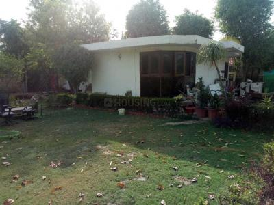 Gallery Cover Image of 4000 Sq.ft 2 BHK Independent House for buy in Sainik Farm for 12600000