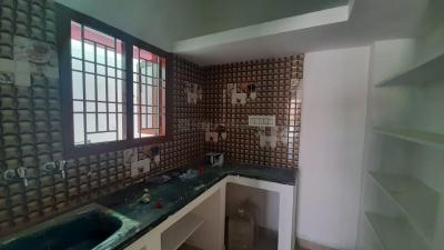 Gallery Cover Image of 800 Sq.ft 2 BHK Independent Floor for buy in Veppampattu for 2500000