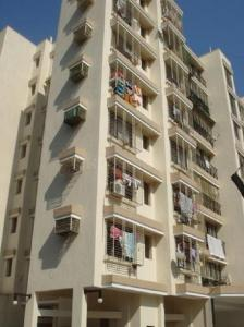 Gallery Cover Image of 600 Sq.ft 1 BHK Apartment for rent in Surya Gokul Paradise, Kandivali East for 17000