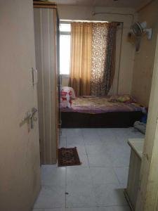 Gallery Cover Image of 255 Sq.ft 1 RK Apartment for rent in Malad West for 9400