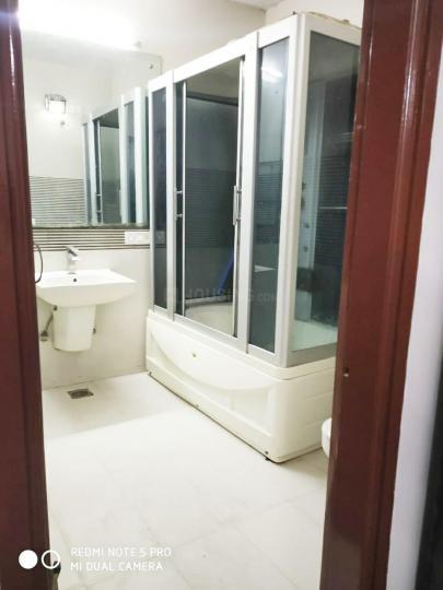 सेक्टर 39 में खुशी पीजी के बाथरूम की तस्वीर