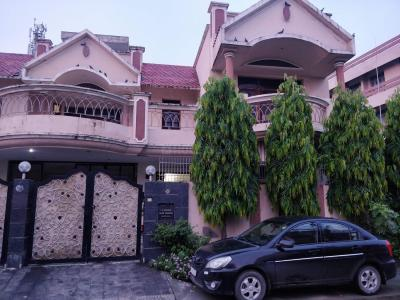 Gallery Cover Image of 7000 Sq.ft 3 BHK Villa for buy in Rohit Vihar for 27500000