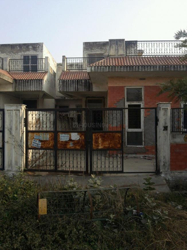 Main Entrance Image of 2250 Sq.ft 2 BHK Independent House for buy in Omicron 1A Greater Noida for 8000000